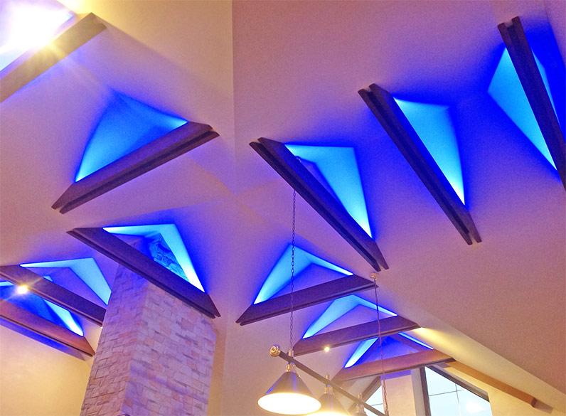 Вариант балки с неоновой подсветкой Вариант балки с неоновой подсветкой