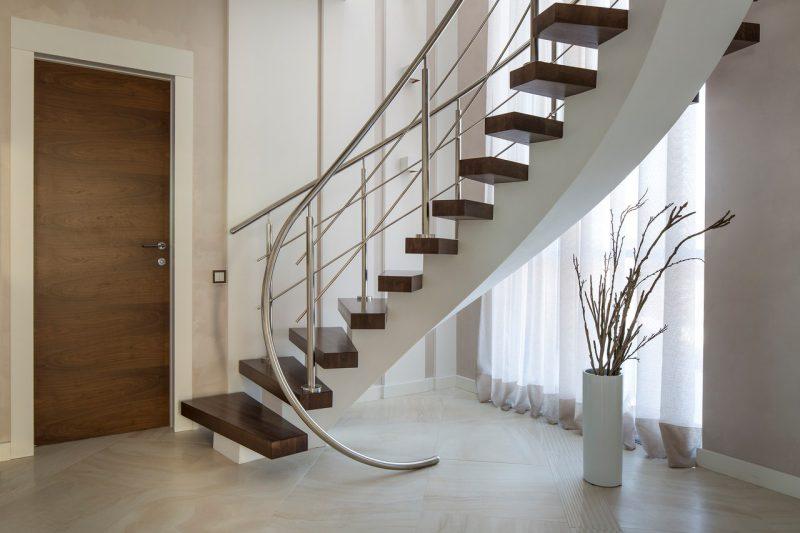 лестницы на заказ в москве